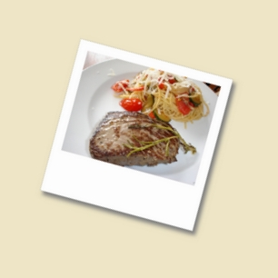 Steak vom Rind mit Spaghetti