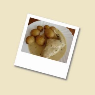 Kaninchen-in-Estragon-Senf-Soße