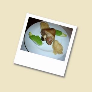 Eisbein mit Sauerkraut und Erbspüree